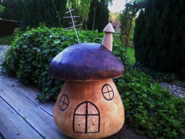 Maison champignon en bois de chêne